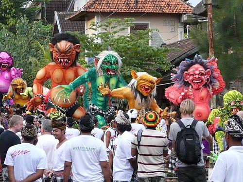 巴厘岛的新年节日——安宁日涅琵(Nyepi)