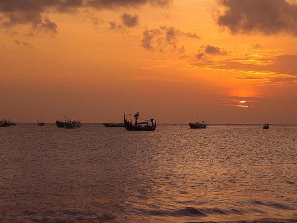 巴厘岛之旅——金巴兰海滩(Jimbaran Beach)黄昏的诱惑!6.jpg