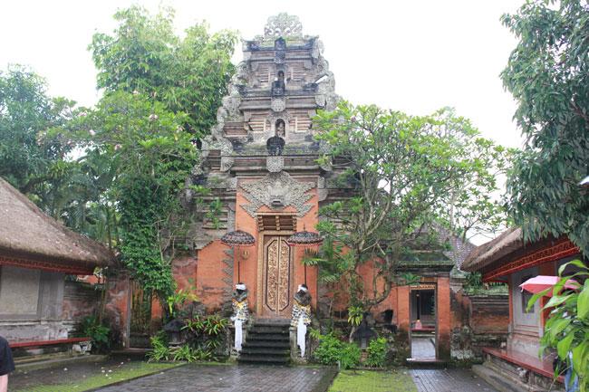 乌布皇宫(Puri Saren Palace)