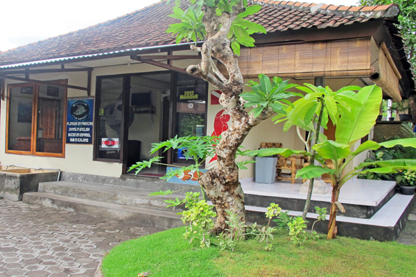 图兰奔潜水学校 Baruna Dive in Tulamben