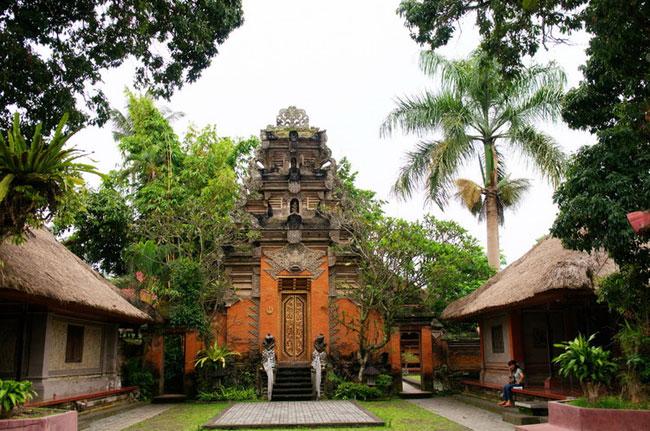 乌布皇宫(Puri Saren Palace)4.jpg