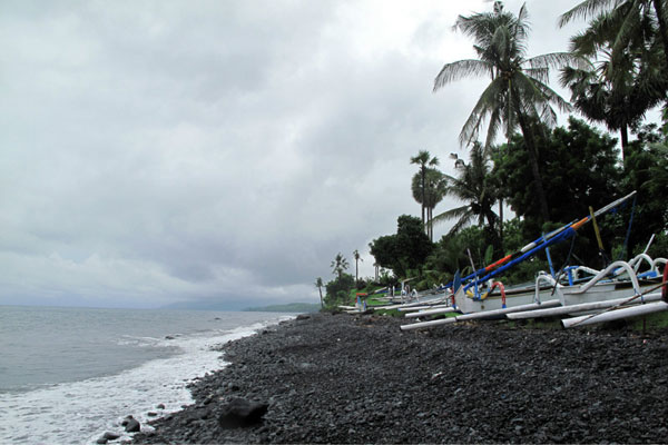 图兰奔 (Tulamben)海滩.jpg