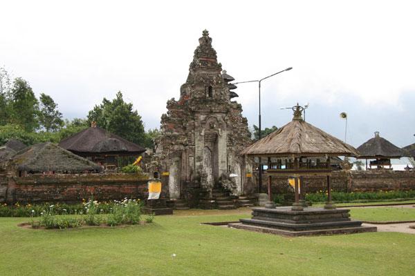 巴厘岛百度库植物园-水神庙-草莓小站北部景点一日游