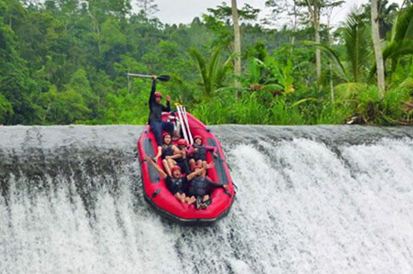 T河漂流 (Telaga waja river rafting)5.jpg