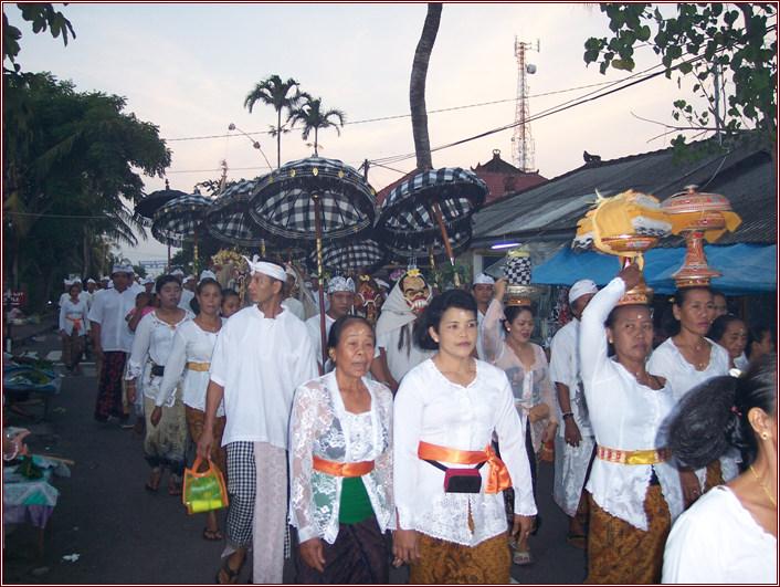 巴厘岛祭祀活动24.jpg