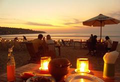 巴厘岛金巴兰海滩BBQ日落晚餐代理预订 金巴兰海滩看日落+海鲜烧烤BBQ晚餐