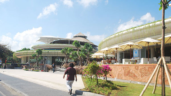 Beach Walk Bali 巴厘岛库塔购物中心