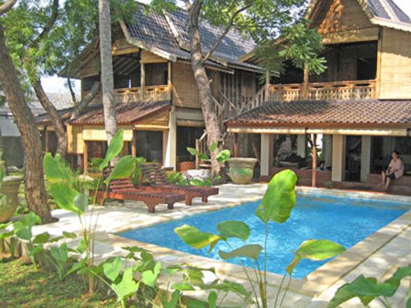 巴厘岛罗威那看海豚酒店推荐—— Lovina Beach Houses (罗维纳海滩别墅酒店)