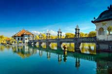 Taman Ujung Water Palace 巴厘岛水上皇宫