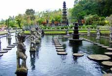 Tirta Gangga 蒂尔塔冈加(巴厘岛水宫 Taman Tirta Gangga)