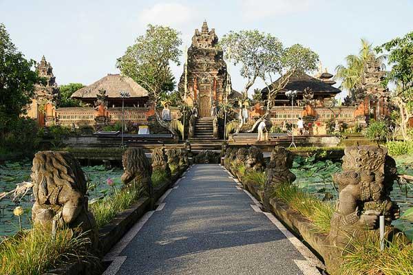 Saraswati Temple 乌布普拉萨拉舍瓦提 / 巴厘岛萨拉斯瓦蒂女神庙