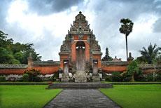母神庙 Pura Taman Ayun