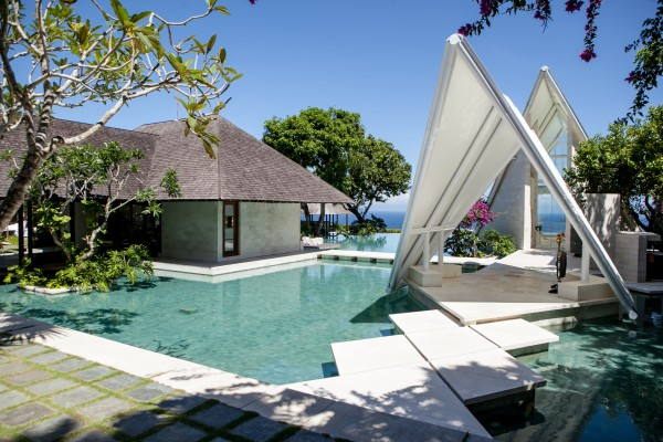 Tirtha Uluwatu Chapel 巴厘岛水之教堂——乌鲁瓦图提尔塔水之教堂!