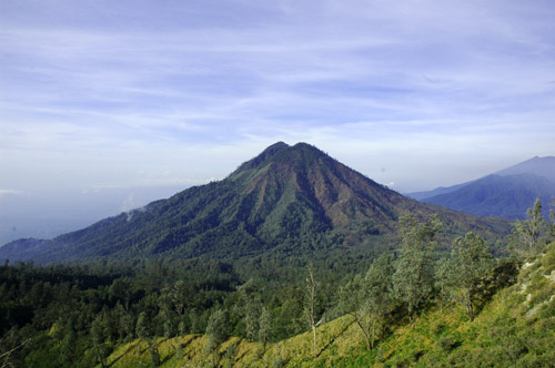 印尼拉翁火山爆发