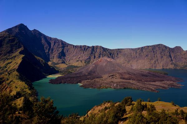 林加尼火山4.jpg