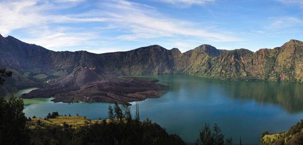 林加尼火山2.jpg