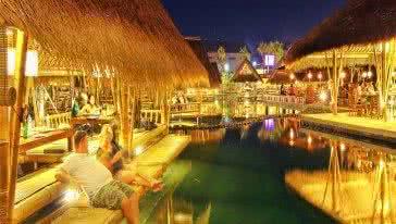 巴厘岛水上餐厅 Bale Udang Mang Engking